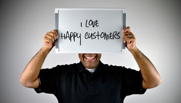 Oline_advertising_happy_customers